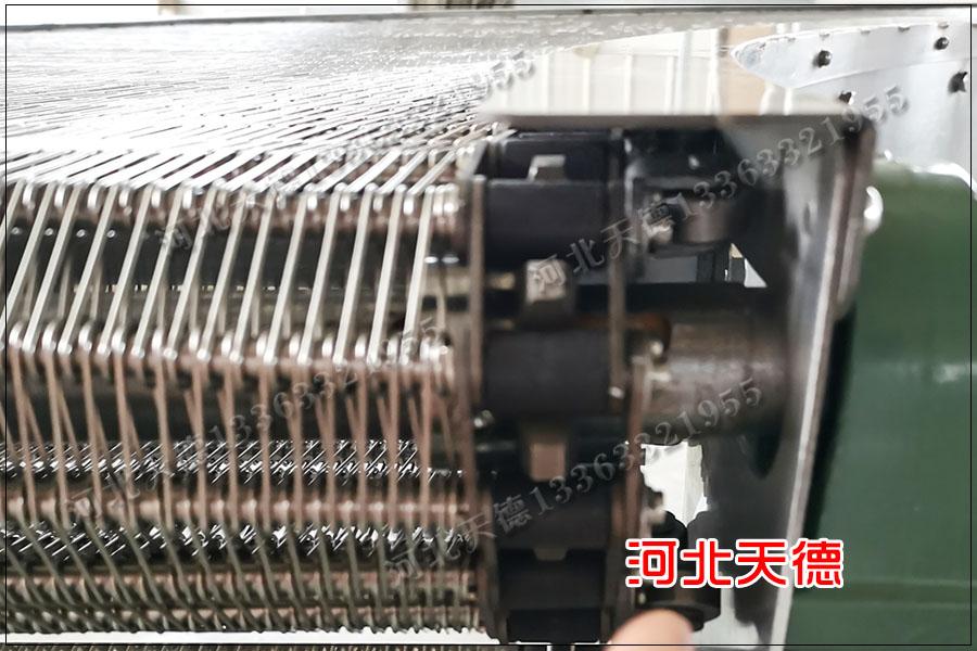 食品网带输送机要选择不锈钢304材质