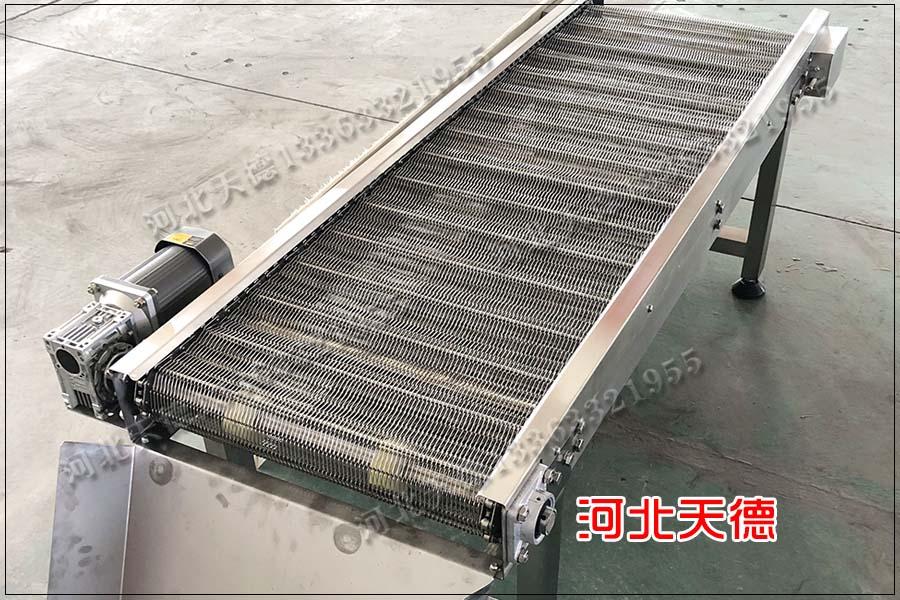 田螺清洗不锈钢输送机链条输送网带如何调整?